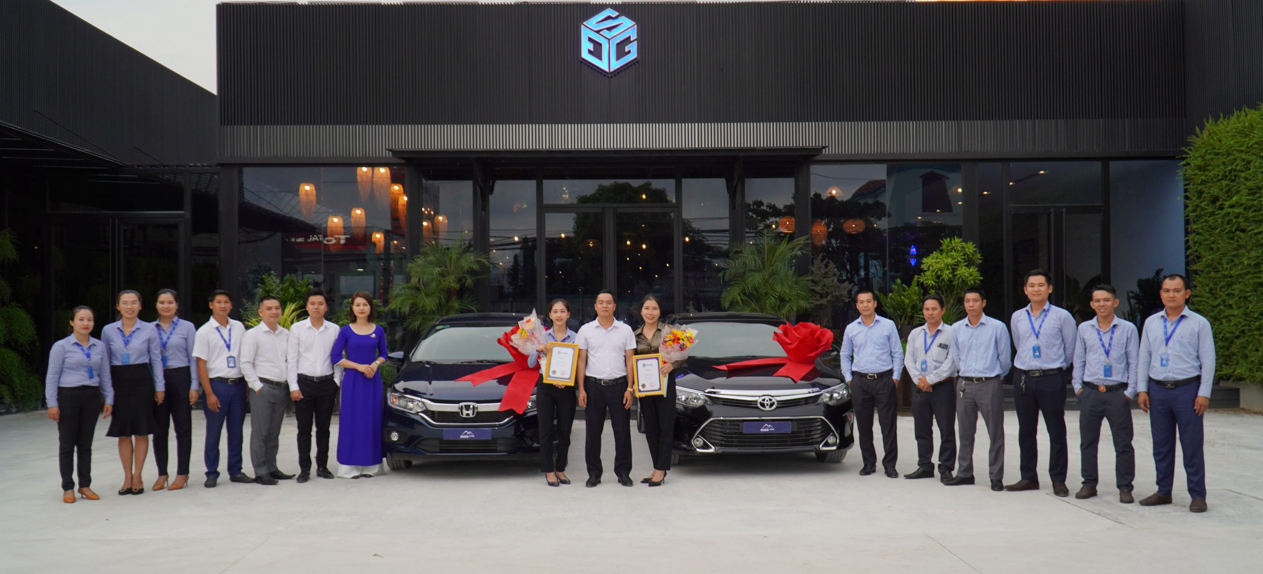 DOSA Group khen thưởng, bàn giao xe hơi
