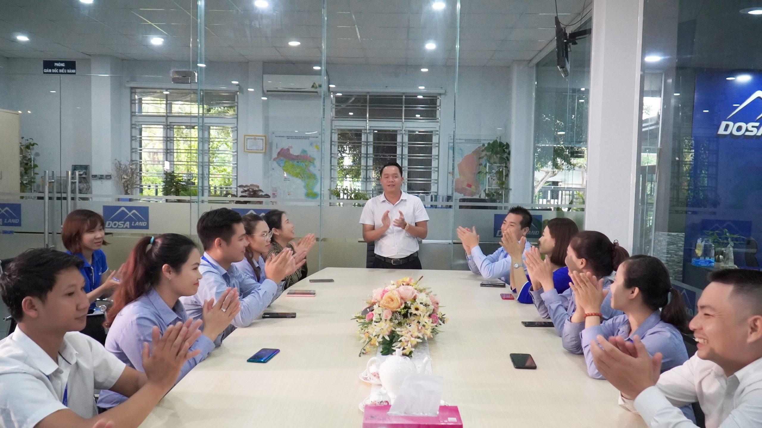 Ô. Nguyễn Văn Sang - Chủ tịch HĐQT DOSA Group tuyên dương