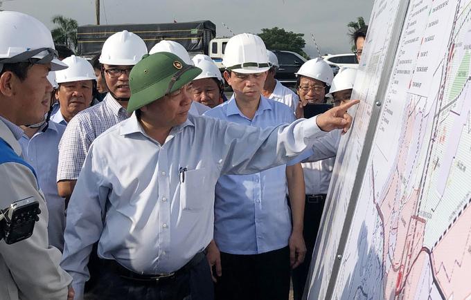 Thủ tướng thị sát khu tái định cư Lộc An - Bình Sơn