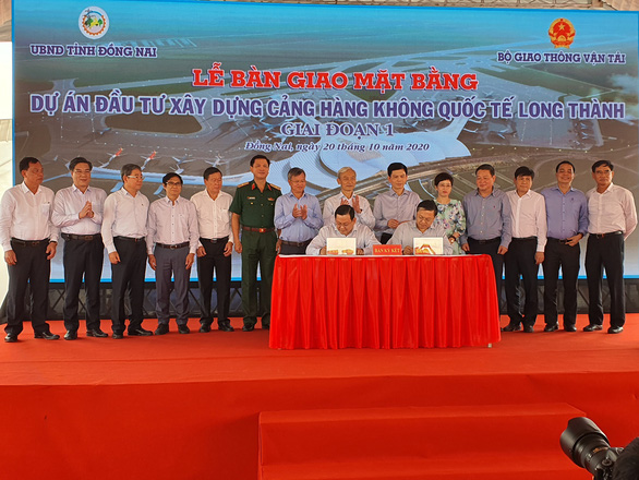 Lễ bàn giao mặt bằng sân bay Long Thành